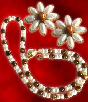 Earthy Pearls
