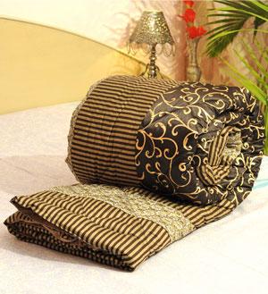Gold print Premium Jaipuri Razai