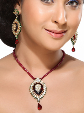 Kundans and Ruby Pendant Earrings Set
