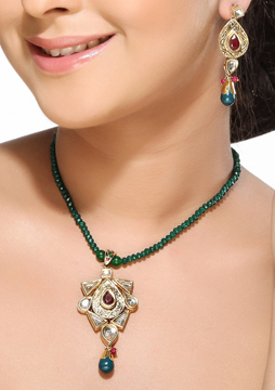 Kundan Meenakari Pendant Set with Emerald Bead