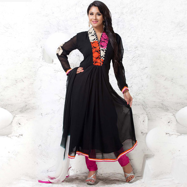 Black Georgette & Floral Embroidery Suit