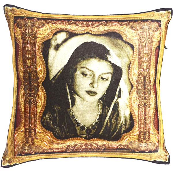 Digital Print Poly Velvet Cushion Cover of Rani Gayaithri Devi