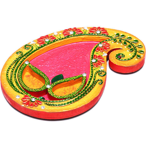 Keri Design Arthi Thaali Crafted in Wood with Clay and Paint Work