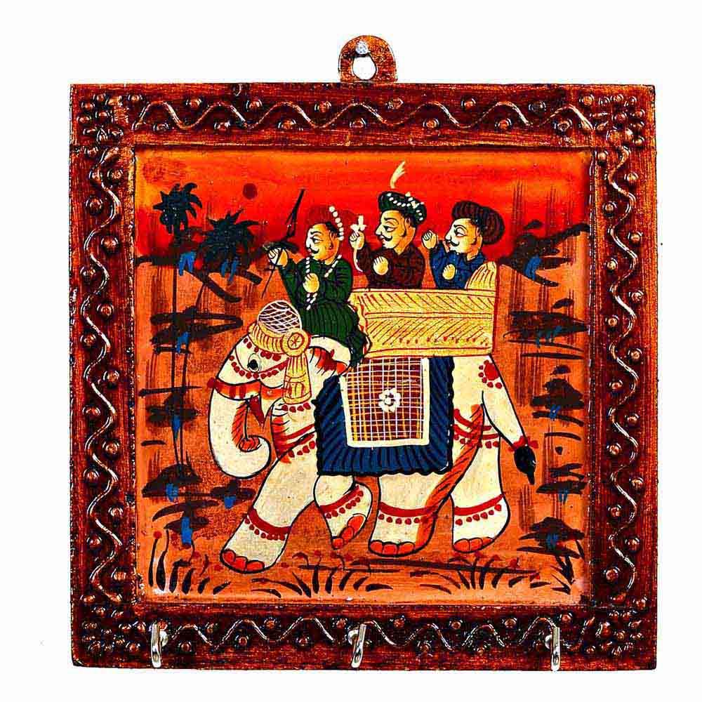 Wooden Key Hanger with Ambabari Design