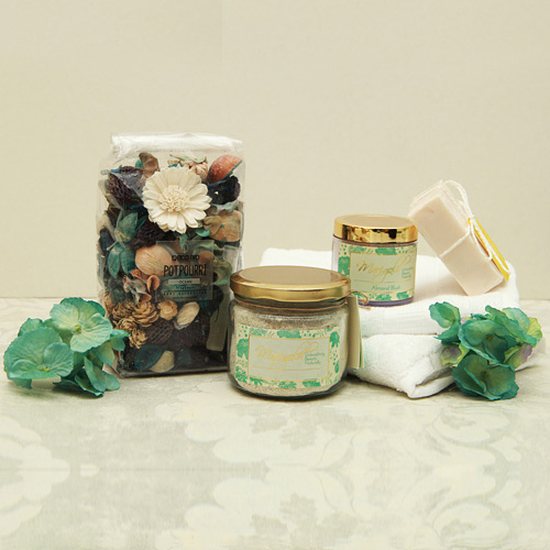 Beauty & Spa Hampers-Spa gift Hamper with towels and potpourri
