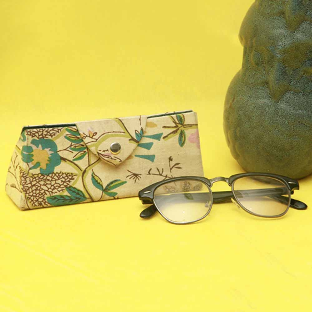 Artifacts-Handcrafted Sunglasses Case (Floral Prints)