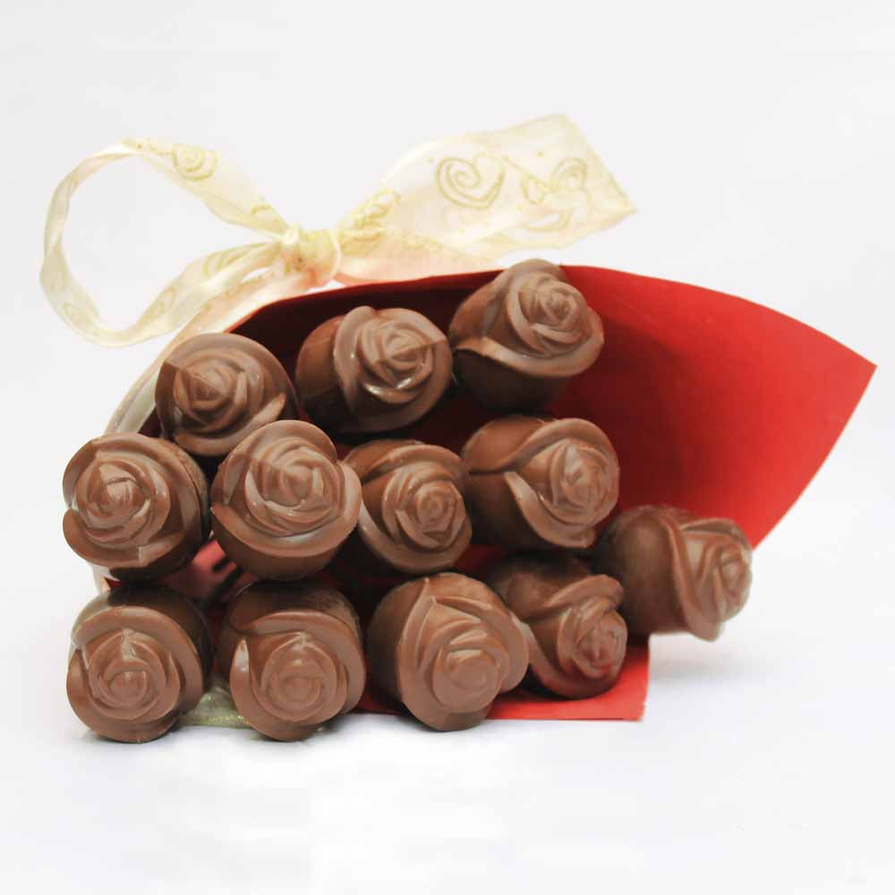 Milk chocolate roses