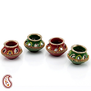Diwali Diyas-Decorated Matki Diyas - Set of 4