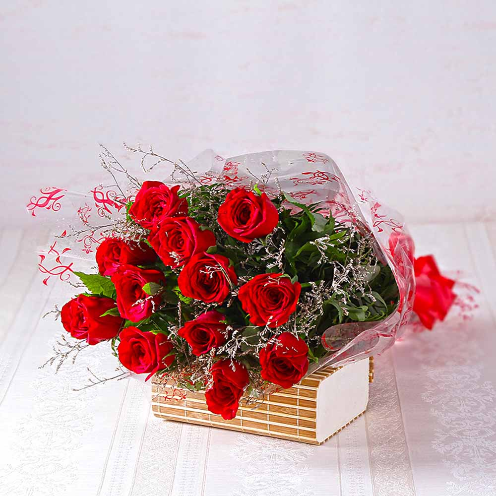 Bouquet of Dozen Red Roses