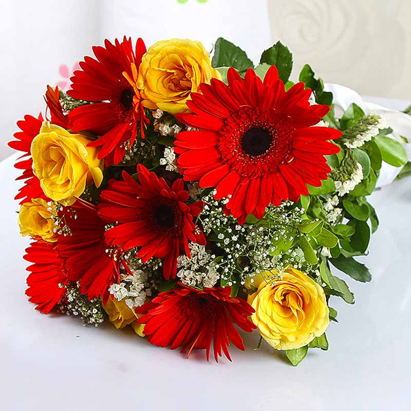 Bouquet of Dozen Red Gerberas and Yellow Roses
