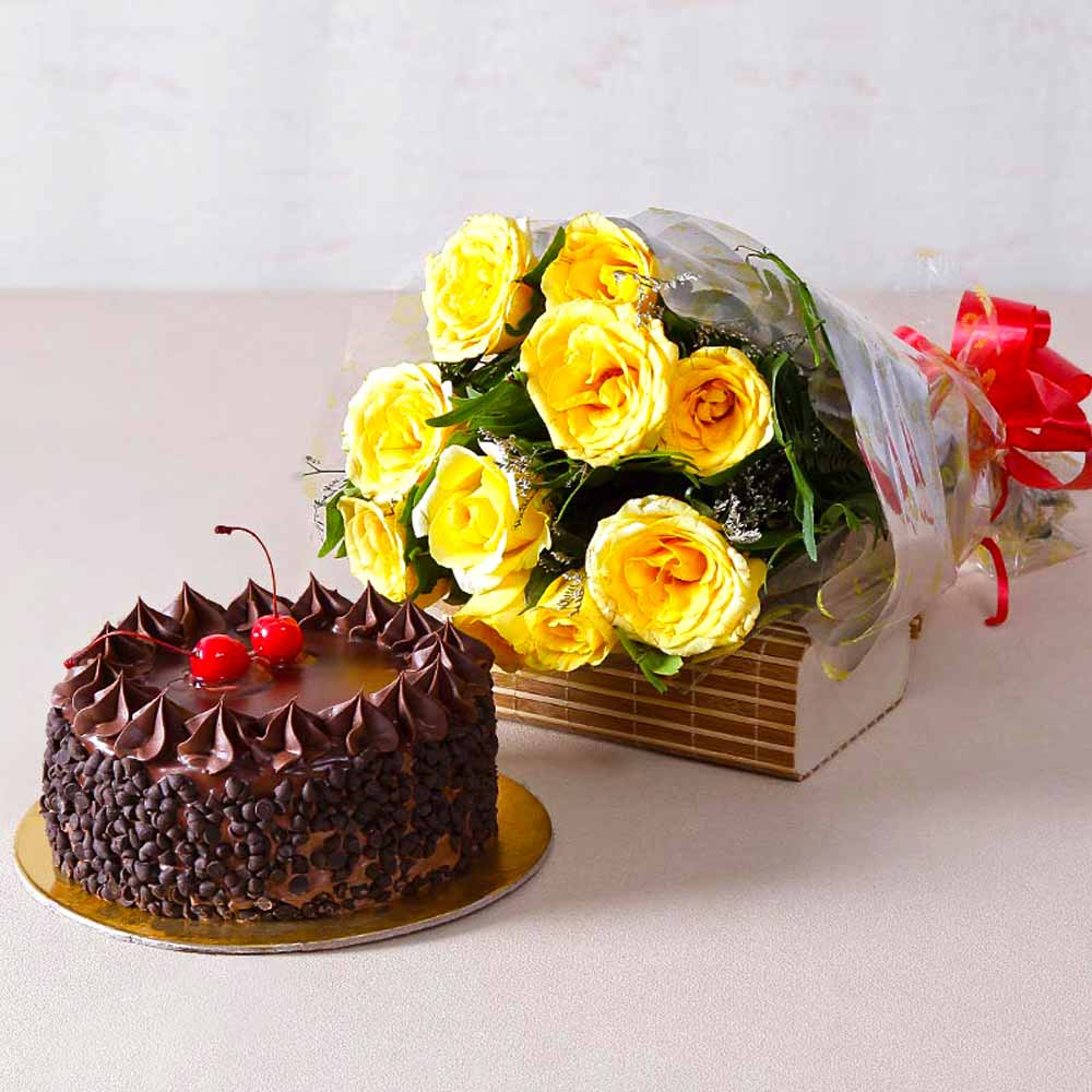 Cakes & Flowers-Ten Yellow Roses with Choco Chips Chocolate Cake