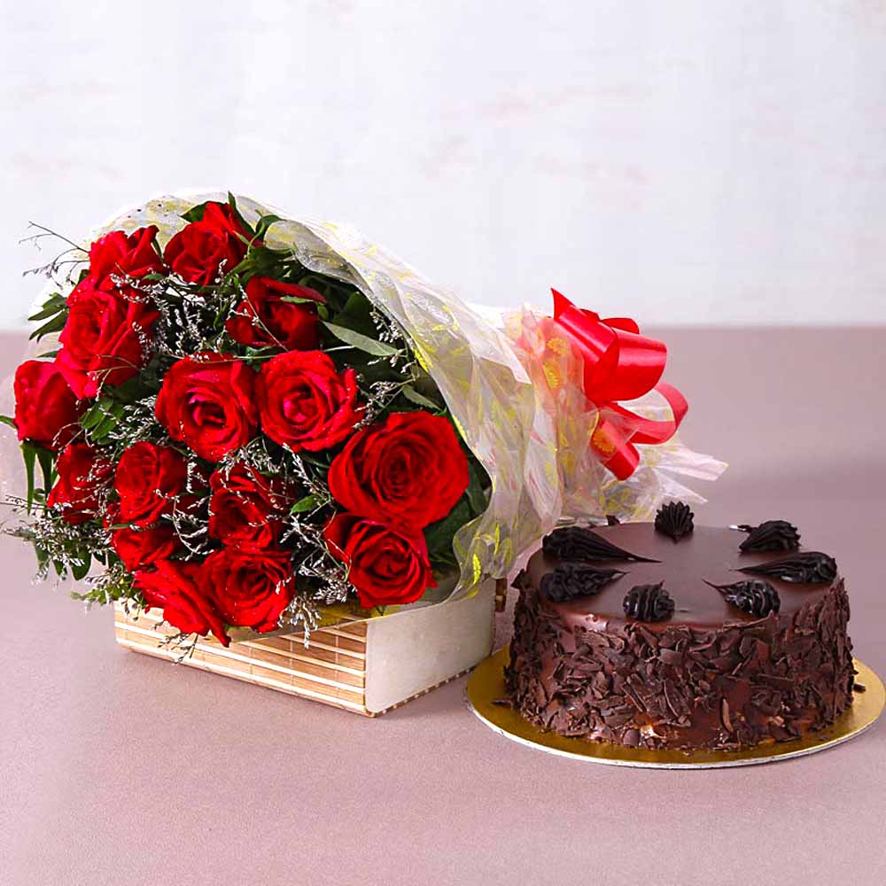 Fresh 15 Red Roses Bouquet with Choco Chips Chocolate Cake