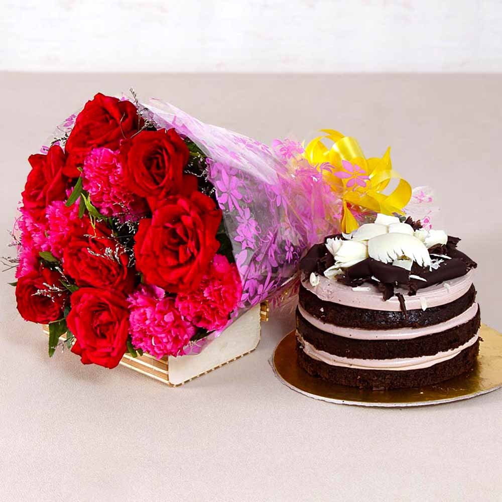 Bouquet of Red Roses and Pink Carnation with Chocolate cake