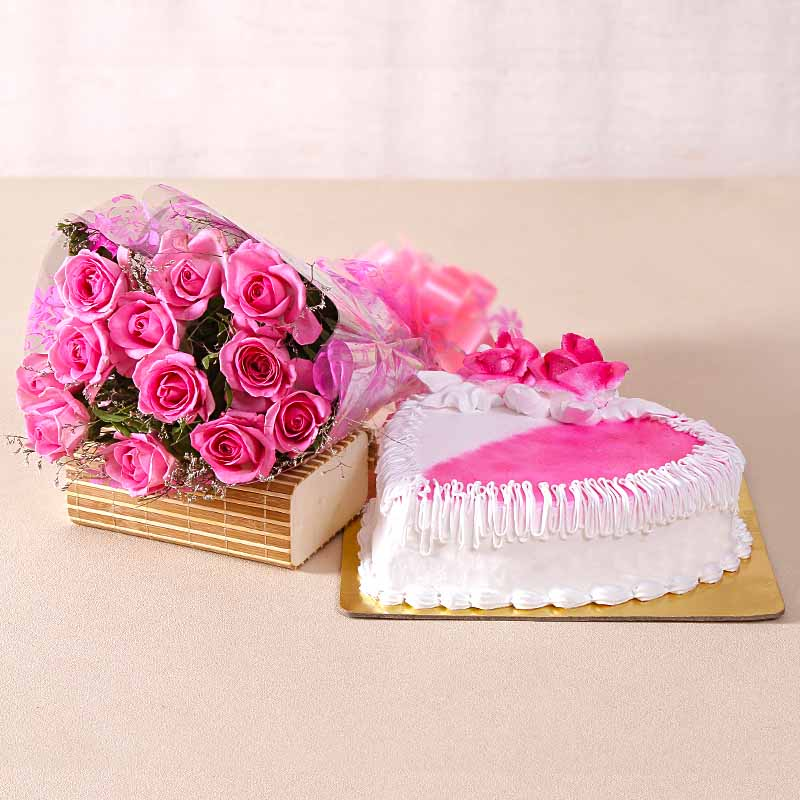 Love Heartshape Strawberry Cake with Pink Roses Bouquet