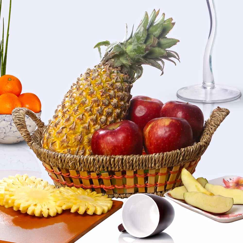 Fruit Hampers-Basket of Healthy Fruits.