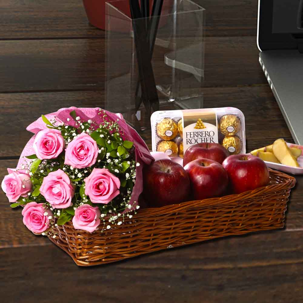Pink Rose Bouquet With Apple And Ferrero Rocher India