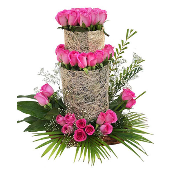 Pune-75 pink rose arrangement