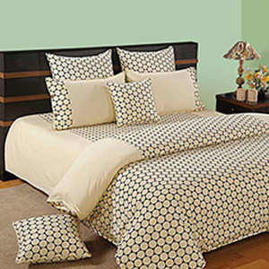 Bed sets-Swayam Cream and Black Colour Geometrical Pattern Bed Sheet with Pillow Covers