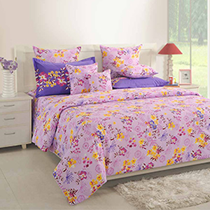 Swayam Magenta Colour Bed Sheet with Pillow Covers