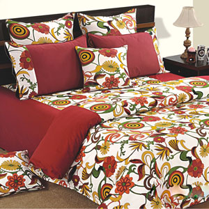 Flowering Woods Comforter and Double Bedsheet Set