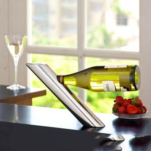 Busa Wine Holder