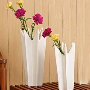 Star Angular Effect Vase
