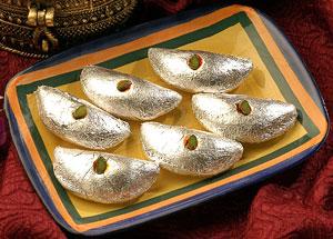 Kaju Mithai-Haldiram Kaju Gujiya