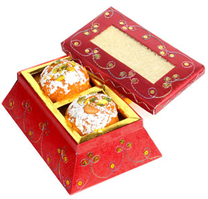 Traditional Mithai-Ghasitaram's Big Laddoos Box