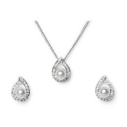 Facetzinspire Diamond & Pearl Pendant Set