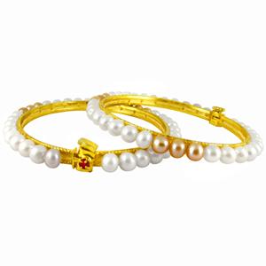 Pearl Bangles-Jpearls White & Peach Pearl Bangles