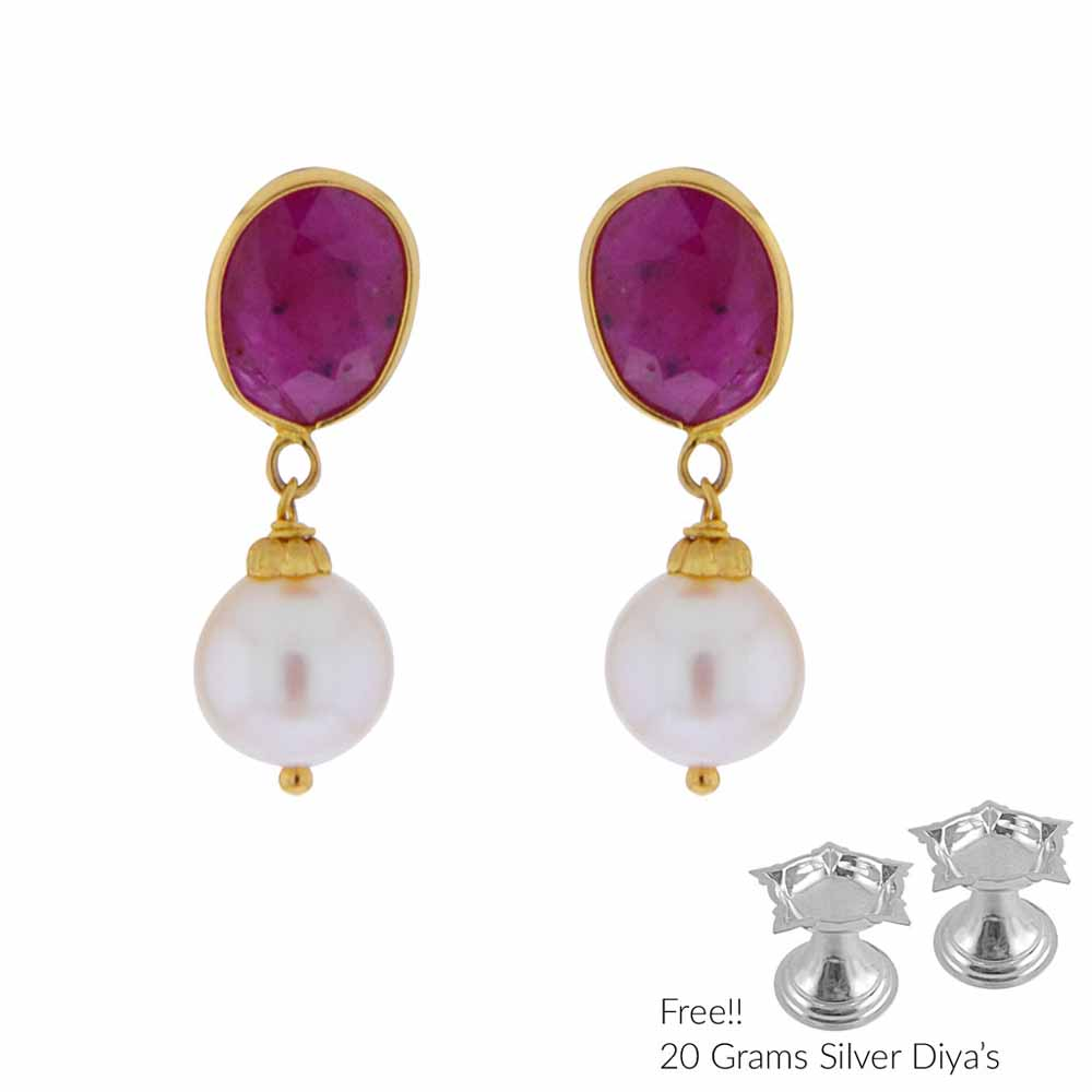 22Kt Gold Studs With Pearls