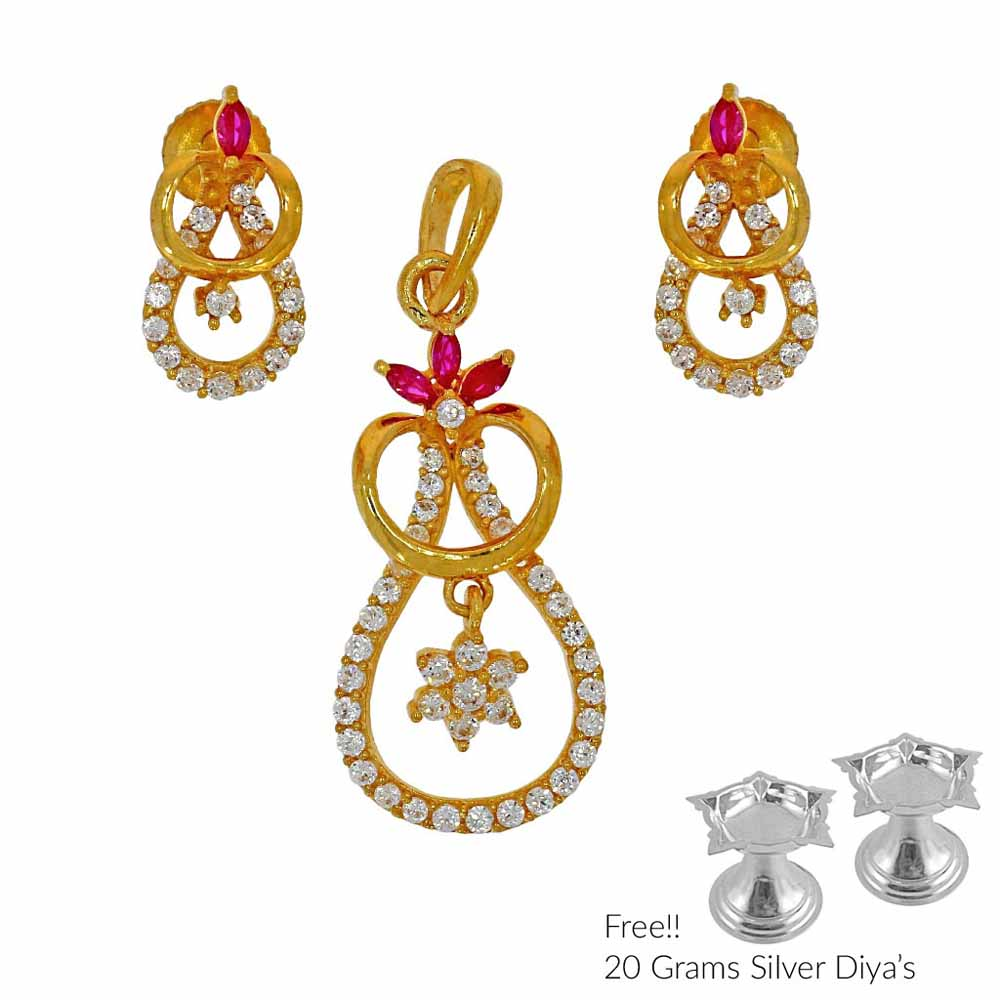Phenomenal 22Kt Gold Pendant Set