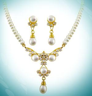 Jagdamba Sanjitha Pearl Set
