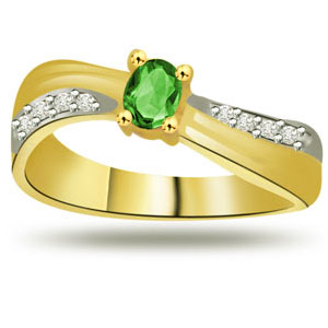 Diamond-Diamond & Emerald Ring