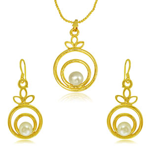 Pearl & Gold Plated Pendant Earrings Set