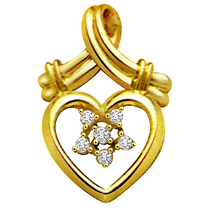 Diamond Pendants-Diamond Heart Shape Pendant
