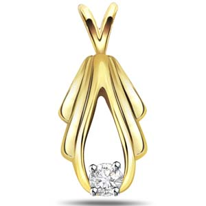 Diamond Pendants-Diamond Solitaire Pendant