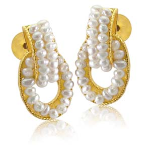 Pearl Earrings-Decorous Pearl Earrings