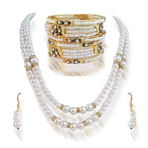 Shell Pearl Set with Bangles