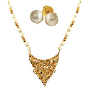 Precious Stone Sets-Traditionally Designed Necklace with Pearl Studs