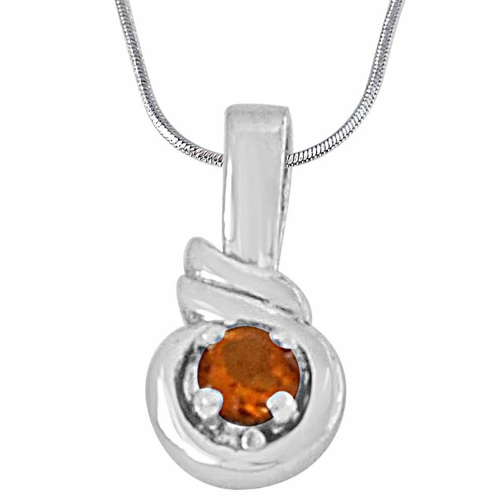 Round shaped yellow topaz and 925 sterling silver pendant with 18 in silver finished chain