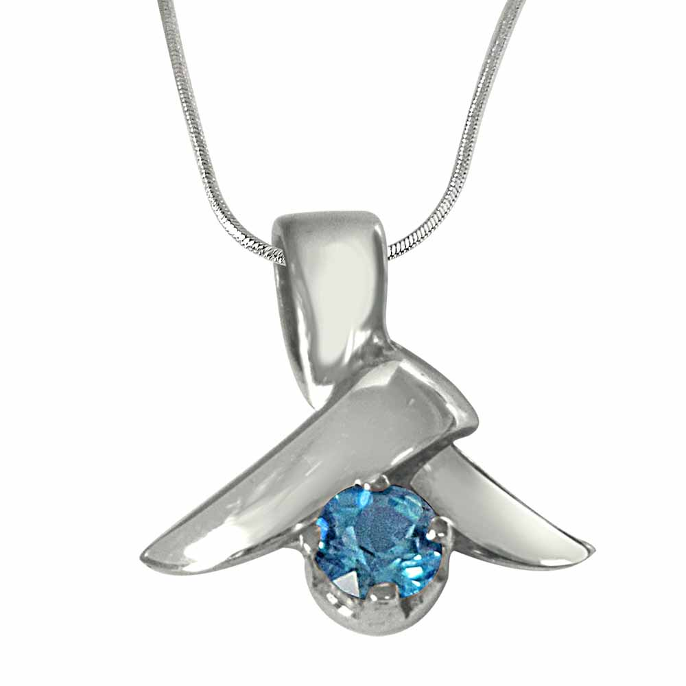 Blue topaz & 925 sterling silver pendant with 18 in silver finished chain