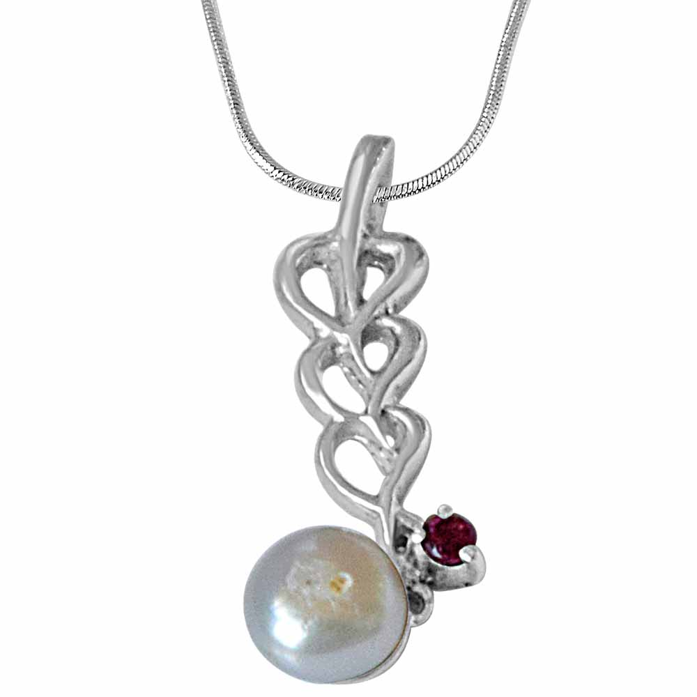 Heart shaped pearl, rhodolite & 925 sterling silver pendant with 18 in silver finished chain