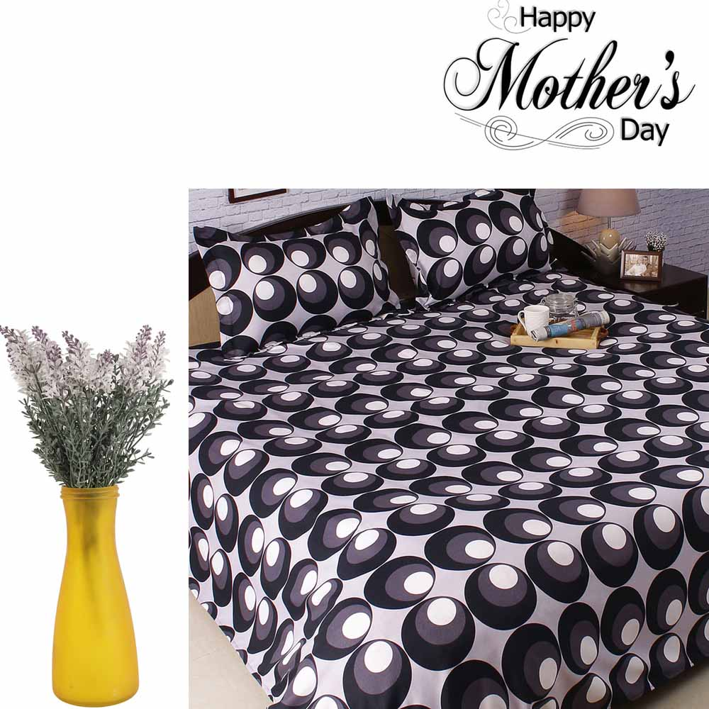 Printed Polyester Bedsheet & Charming Decorative Flowers Set