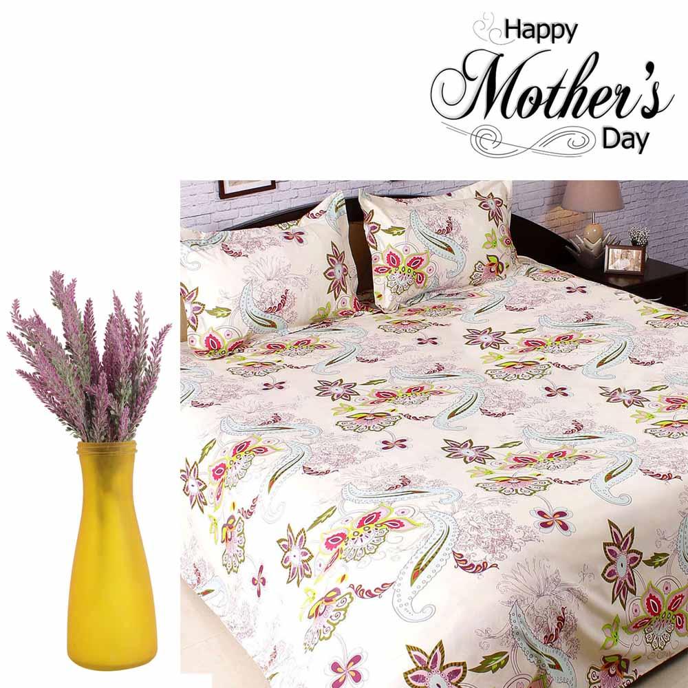 Beautiful Polyester Bedsheet & Decorative Flowers Set