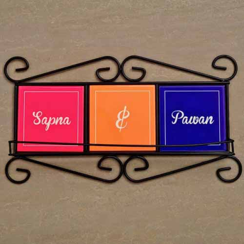 Showpiece-Personalized Names Key Rack
