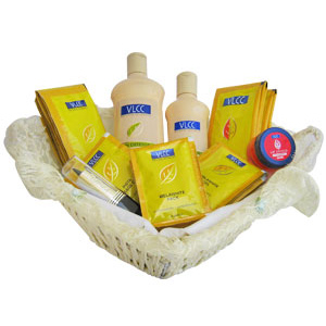 VLCC Anti Tan Traveller's Beauty Care Basket