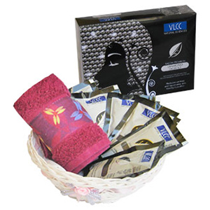 VLCC Sparkling Diamonds Luxury Facial Beauty Care Hamper
