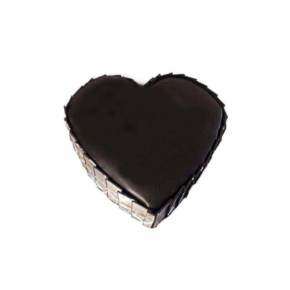 Eggless Heart Shape Truffle Cake