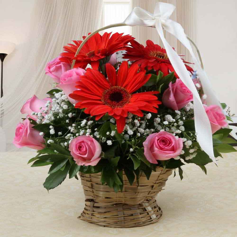 Fresh Flowers-Arrangement of Mix Red and Pink Flowers